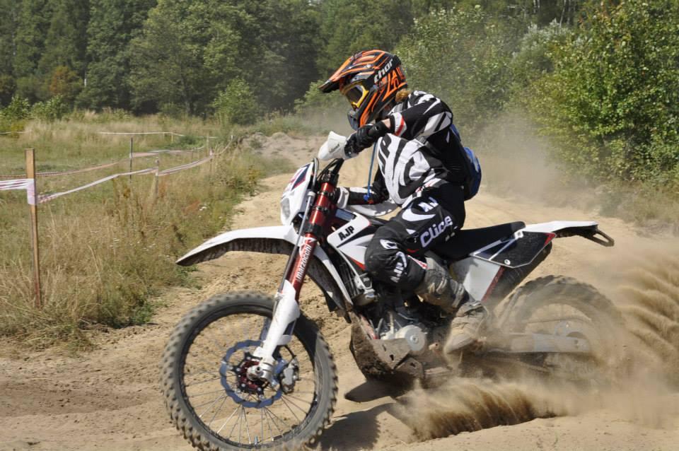 Wypożyczalnia motocykli na Enduro OFFensywie dzięki AJP
